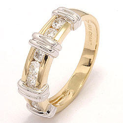 Tilaustuotteet - timantti sormus 14 karaatin kulta ja valkokultaa 0,52 ct