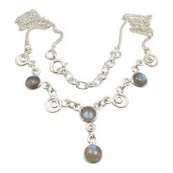 Pyöreä abstrakti monivärinen kaulaketju  hopeaa