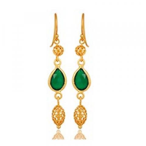 Pitkät pisara vihreä onyx-kiveä korvarenkaat  kullattua hopeaa