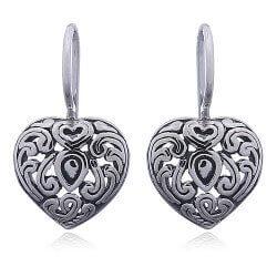 Edullisia sydän korvarenkaat  hopeaa