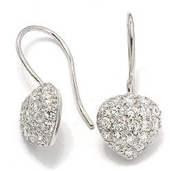 Kauniita sydän korvarenkaat  hopeaa